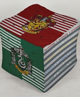 Harry Potter Bean Cube. With four sides featuring Gryffindor, Slytherin, Hufflepuff and Ravenclaw coats of arms.