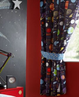 Planets Curtains 72s