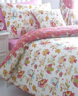 Reversible Owls Themed Bedding. Owls and Bird Houses on white, with a deep, pink patterned reverse.