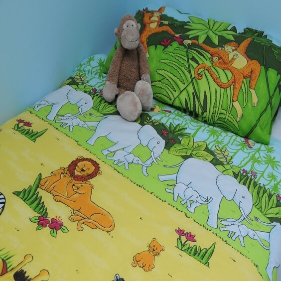 Jungle inspired bed set. Lions, Monkeys, Elephants, zebras and Hippos all having fun in the Jungle.