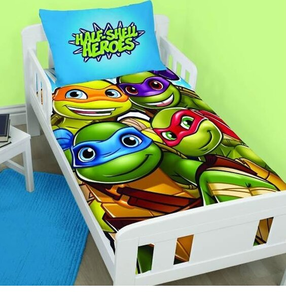 TMNT Toddler Bedding. Blue with The Turtles in Full Colour,.