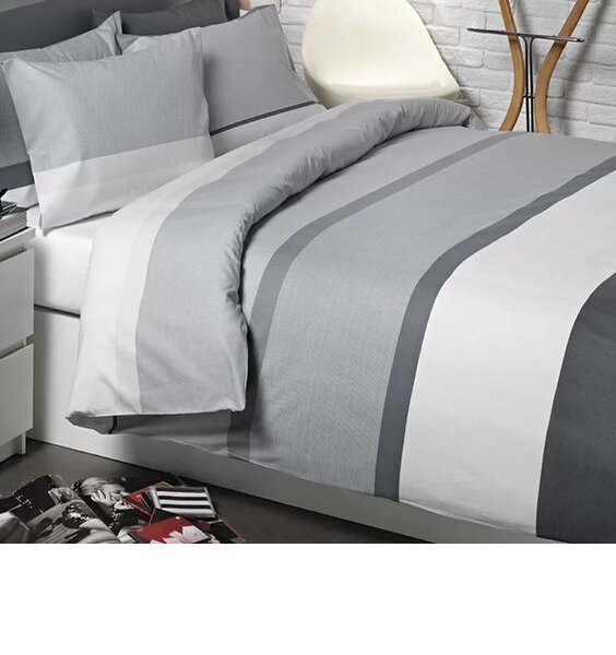Broad stripes of two tone grey and white with a narrow darker band between.