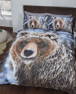 Single duvet featuring a photographic image of a grizzly bear.