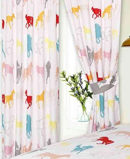 Horse White Curtains 72s