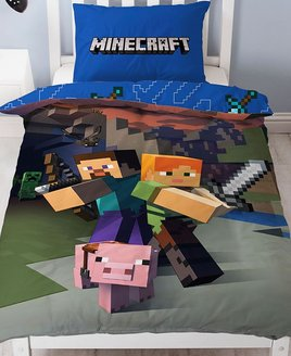 Blue Minecraft Duvet Cover with 2 Pixelated Warriors in Battle.